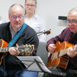 Gerald Hinz und Rudi Alker an den Gitarren