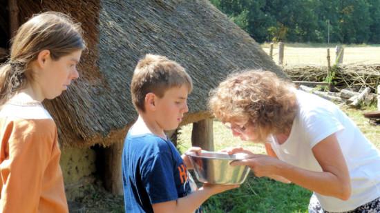 Die Ratsvorsitzende Christa Weilert-Penk trennt Spreu vom Korn